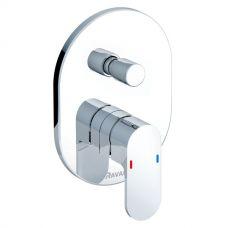 Смеситель для ванны и душа Ravak (Равак) Chrome (Хром) CR 065.00 в ванной комнате